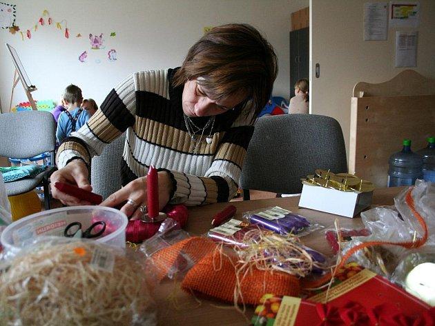 Maminky v dětském a mateřském centru Motýlek.