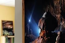Neviditelný kontinent, křehká krása podzemí. To je název výstavy snímků fotografa a speleologa Marka Audyho. Lidé si je mohou prohlédnout v prostorách veselické knihovny.