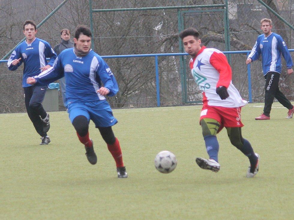 Boskovičtí fotbalisté (v modrém) podlehli v přípravě brněnské Moravské Slavii 1:2.