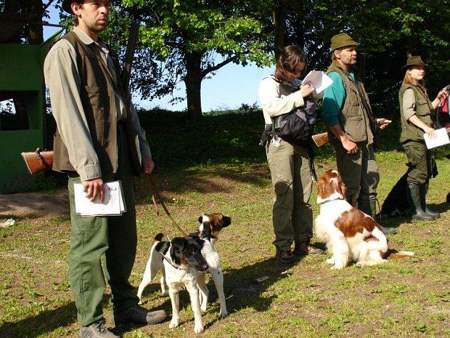 Lovečtí a myslivečtí psovodi