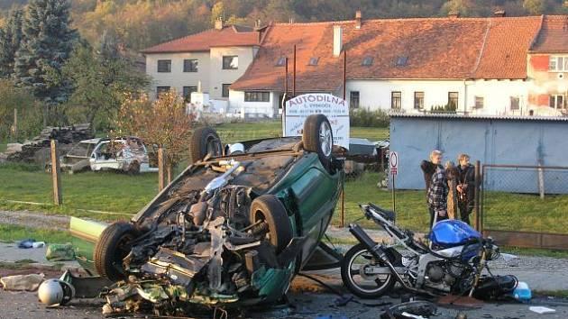 Tragická nehoda  u Lipůvky. Jeden člověk zemřel, dva těžce zraněni.