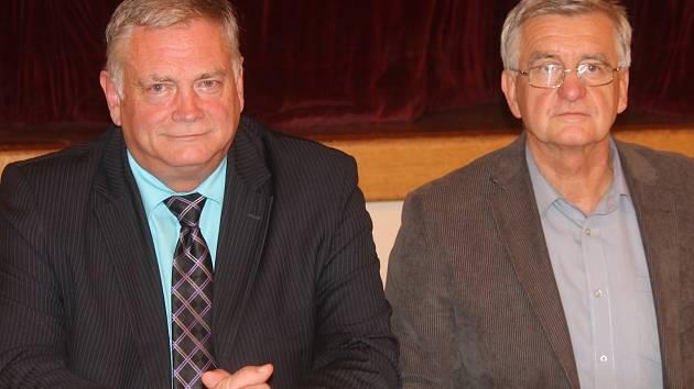 Starosta Letovic Vladimír Stejskal (vlevo) se marně snažil prosadit plán rozvoje města.