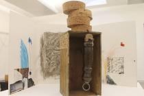 Galerii města Blanska zaplnila díla vyrobená z použitých materiálů.