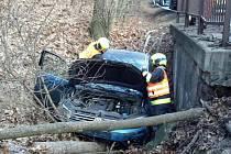 Zranění si vyžádala nehoda mezi Černou Horou a Milonicemi. Auto sjelo do příkopu