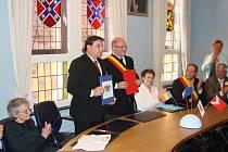 Podpis smlouvy s Frasnes-lez-Anvaing.