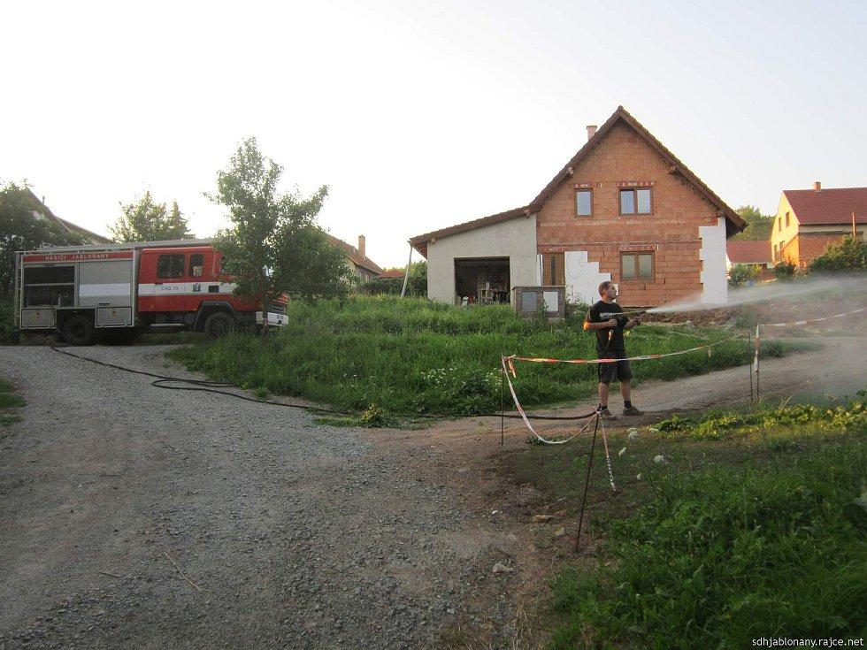 Z činnosti hasičů.