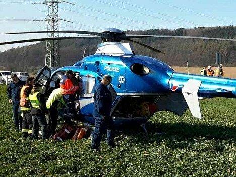 Dopravní nehoda motorkáře a osobního auta zablokovala v sobotu dopoledne na více než hodinu nejrušnější silniční tah na Blanensku. Ke střetu došlo na silnici I/43 Brno-Svitavy v obci Lipůvka kolem půl desáté dopoledne.