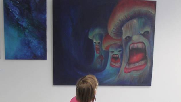 V blanenské Městské knihovně je k vidění sedmý ročník výstavy Salon blanenských výtvarníků.
