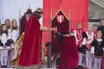 Druhým dnem vyvrcholilo v sobotu Znojemské historické vínobraní. Diváky přitahovala mimo jiné tradiční historická scéna na hlavním podiu.