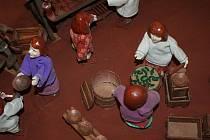Blansko má nové turistické lákadlo. V prostorách ČKD od úterý vystavuje své dílo, nazvané Moravská vesnička nebo také betlém, Miroslav Mužík z Blanska.  Na osmnácti dvoumetrových stolech mohou návštěvníci vidět zpodobnění života na vesnici.