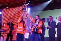 Boskovičtí záchranáři Petr Chlup a Jan Antonín Babořík vyhráli mezinárodní soutěž Záchrana 2013 v Košicích.