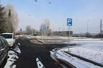 U železničního nádraží v Rájci-Jestřebí se otevře nové parkoviště.