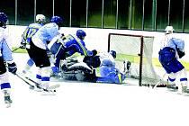 Hokejisté Blanska prohráli doma s poslední Břeclaví 4:6.
