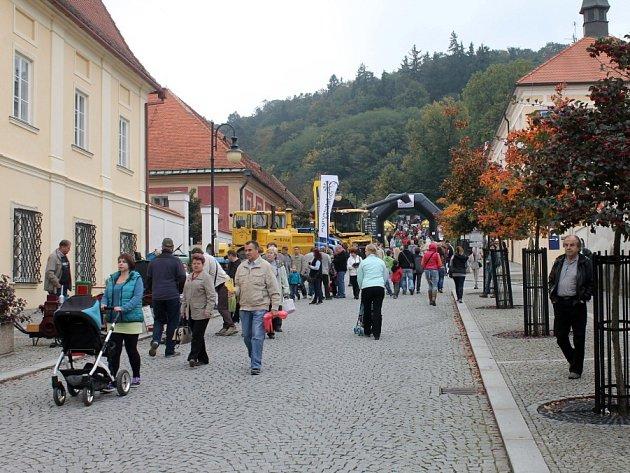 Jedenáctý ročník Husích slavností přilákal do Boskovic tisíce lidí. Na ty čekal kromě husích specialit také jarmark, výstavy a koncerty.