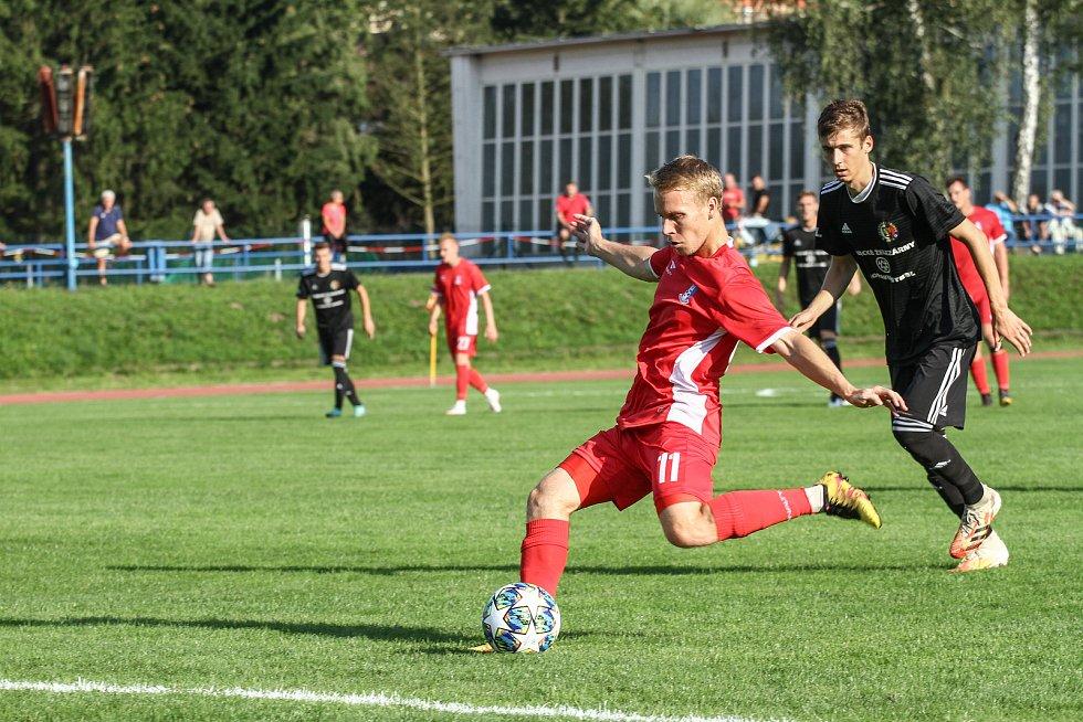 Blanenští fotbalisté (v červeném) v reprezentační přestávce podlehli v přípravném utkání Třinci 0:1. Foto: FK Blansko