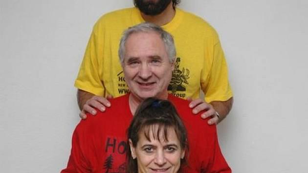 Alena Žákovská, Jan Popelka a Milan Daněk přivezli cenu za fillm z Nové Guineje.