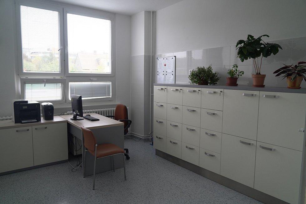 Nové přístroje, nábytek a podlahy. To vše za bezmála milion korun. Tři místnosti ambulance urgentního centrálního příjmu v blanenské nemocnici mají za sebou nákladnou rekonstrukci.