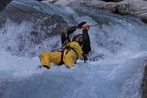 Devítičlenná expedice pokořila největší kaňon světa. Cesta ve stínu osmitisícovek trvala osm dní.