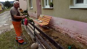 Ve Velké Roudce sčítají a odstraňují škody po přívalovém dešti