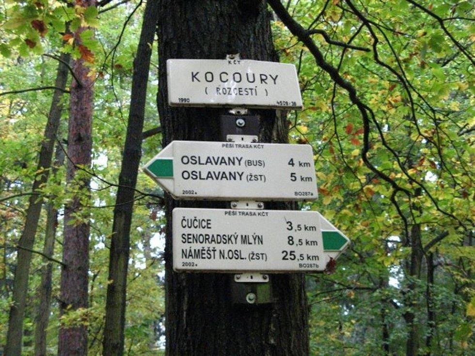 V dnešním díle se vypravíme za kříži a kameny do obce Oslavany a Biskoupky na Brněnsku