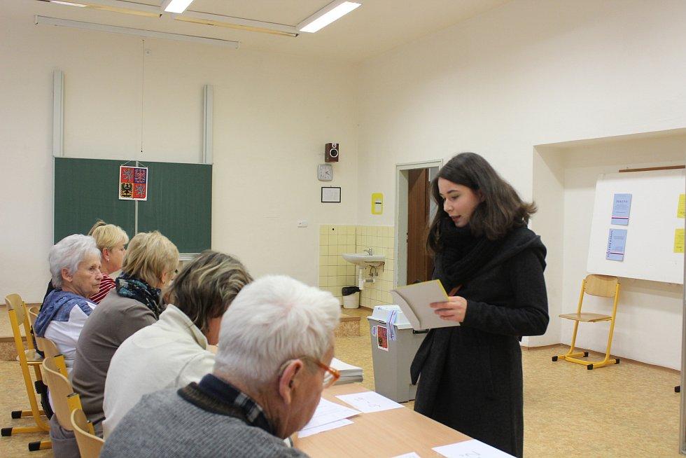 Lidé volili hlavu státu i v budově gymnázia v Blansku.