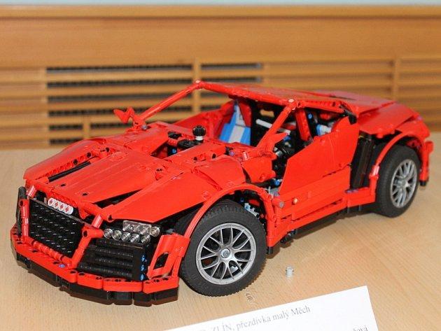 Na třetí ročník akce s názvem Lego Technic Show 2013 – Stroje v pohybu v sobotu do boskovického zámeckého skleníku zavítalo kolem tisícovky návštěvníků. Na akci si mohli prohlédnou kolem stovky modelů z Lega.