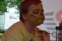 Osmnáctý ročník Blanenského jarmarku se v sobotu konal v zámeckém parku v Blansku.