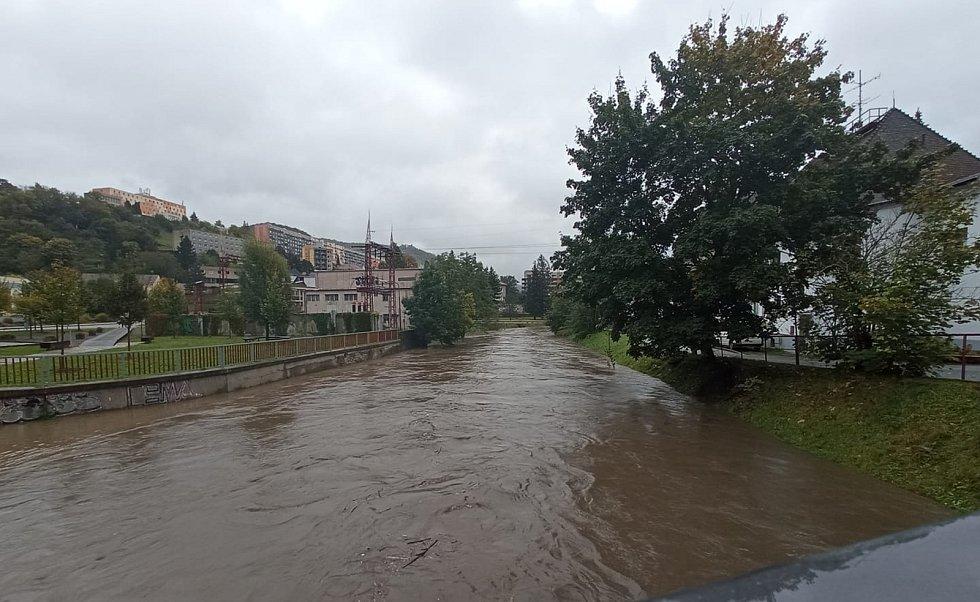 Rozvodněná řeka Svitava v centru Adamova. FOTO: Lukáš Malý