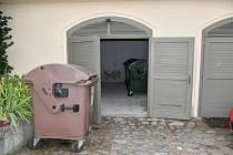 V Boskovicích přemístili kontejnery na separovaný odpad do garáže U Vážné studny.