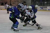 Hokejisté Blanska vyhráli na v derby na ledě Boskovic 4:3.