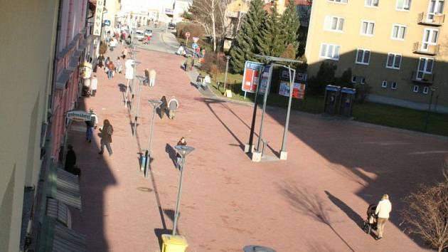 Rožmitálova ulice a pěší zóna v Blansku.