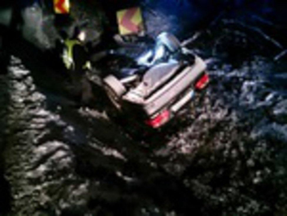 Sněhová nadílka komplikovala o víkendu život řidičům na Blanensku. Všechny nehody se obešly bez zranění.