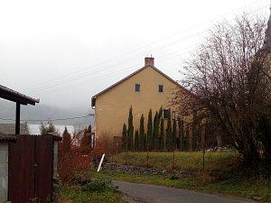 V olešnické ulici Zástodolí došlo v jednom z tamních domů (na snímku) k vraždě. Starší žena tam zabila manžela.