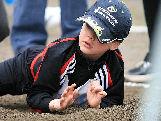 Ve středu dopoledne se prvňáci ve Velkých Opatovicích zúčastnili Olympiády prvních tříd.