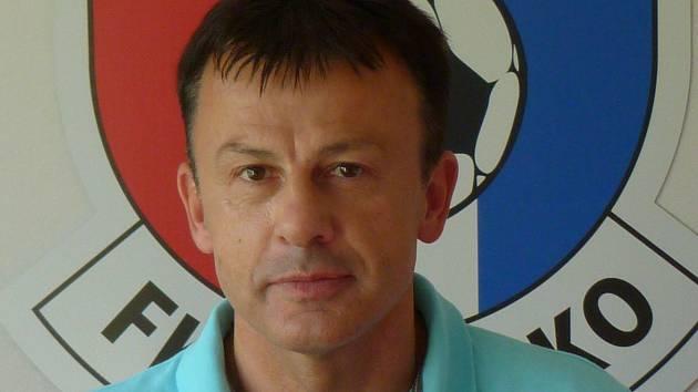 Bývalá opora záložní řady ČKD Blansko Miloš Vašák oslavil padesátku. V sedmadvaceti poprvé a naposledy přestoupil. Do AFC Haugsdorf.