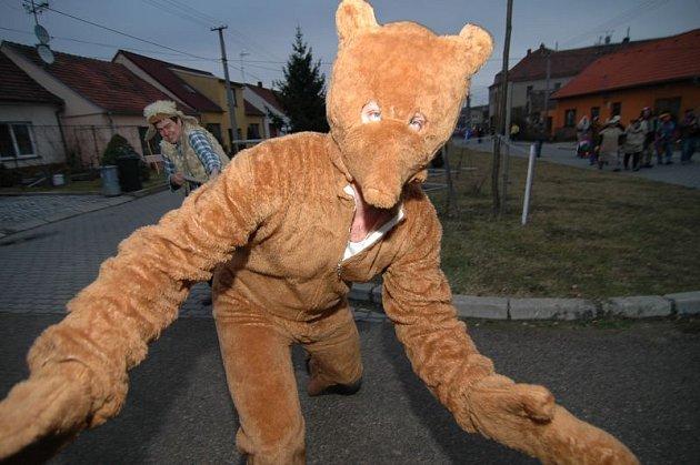Masopustní vranovický medvěd.