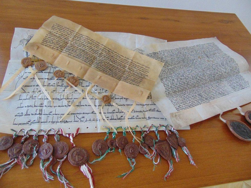 Výstava o osudech pánů z Boskovic ukáže i faksimile středověkých listin.