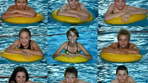 Mladí plavci ASK Blansko, kteří se zúčastnili plaveckých pohárů.