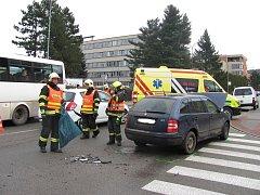 Při nehodě u blanenské polikliniky se zranili dva lidé