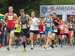 Blanenská desítka nabízí závod pro běžce, inlajnisty i koloběžkáře.