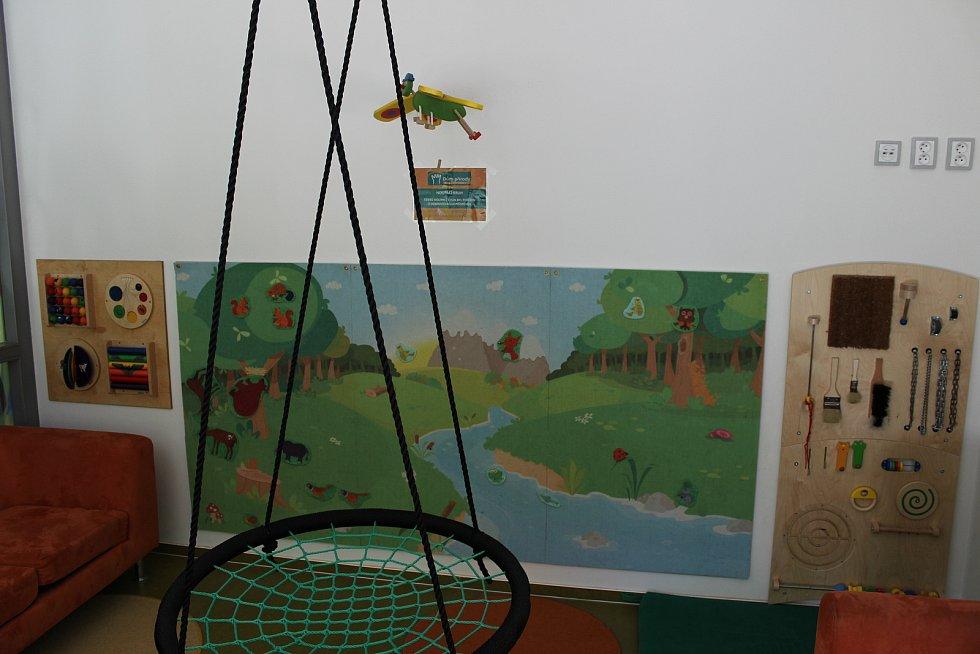 K Domu přírody patří i herna, která se nachází v sousedství.