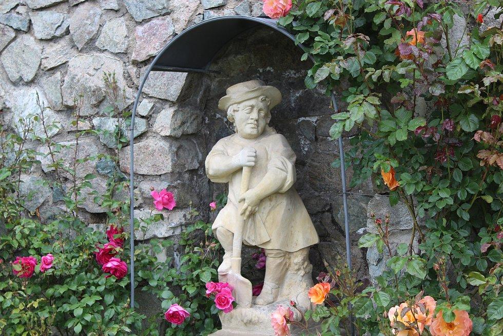 Víkend otevřených zahrad v zámecké zahradě v Lysicích na Blanensku.