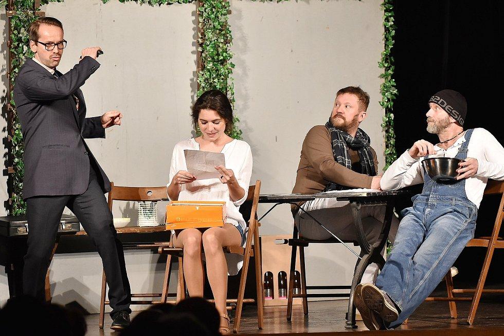 Divadelní představení Láska a párečky. Foto: Petr Švancara