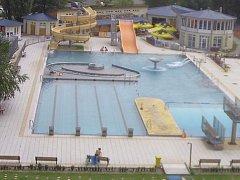 Záběr z webkamery blanenského aquaparku před třetí hodinou odpoledne. Část dne byl kvůli podezření na únik chloru zavřený.