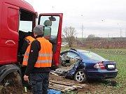 Nehoda u Sebranic si v pondělí ráno vyžádala jeden lidský život