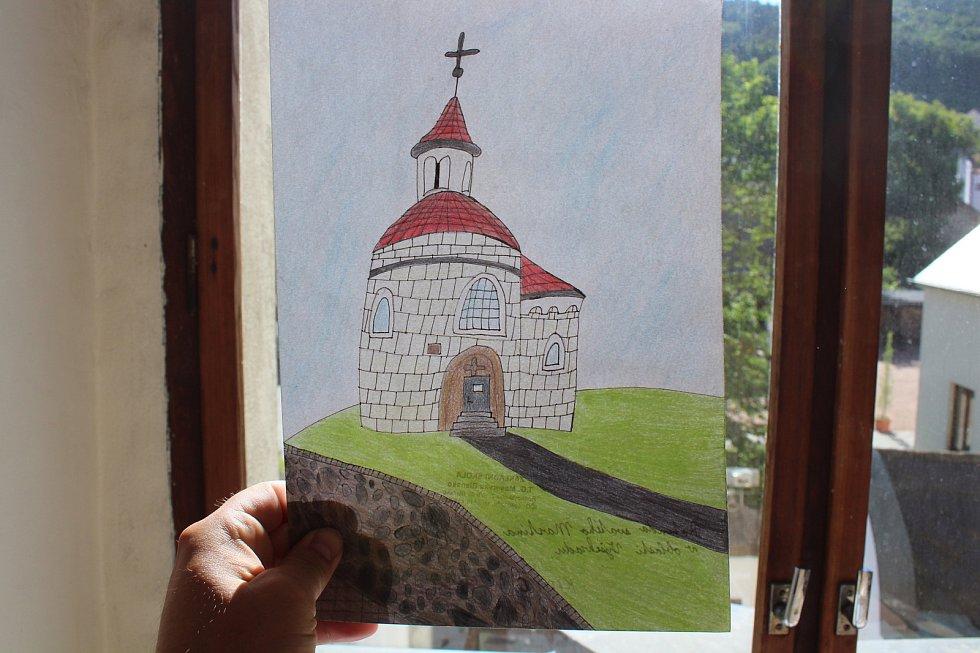 Při Noci kostelů otevřel v pátek brány kostel svatého Martina v Blansku. Ve farní zahradě byl program pro děti. Zájemci mohli vystoupat na vět kostela a prohlédnout si Blansko z výšky. A také si zazvonili na jeden ze zvonů dřevěnou paličkou.