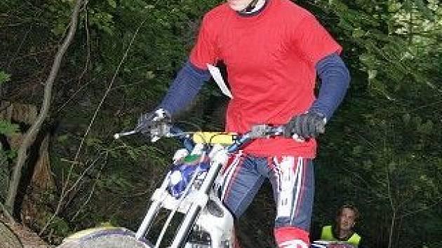 Trial je motocyklová disciplína, v rámci níž jezdci překonávají přírodní a umělé překážky.