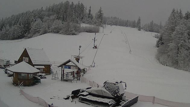Na svahu v Hodoníně už při úpravě sněhu využívají novou špičkovou rolbu.