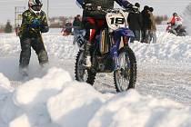 V Benešově-Pavlově se jel první z letošního seriálu závodů v motoskijöringu na Drahanské Vrchovině.