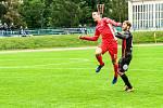 Blanenští fotbalisté (v červeném) v neděli podlehli Viktorii Žižkov 1:2.